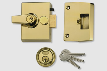 Cheaper Nightlatch installation by Pimlico master locksmith